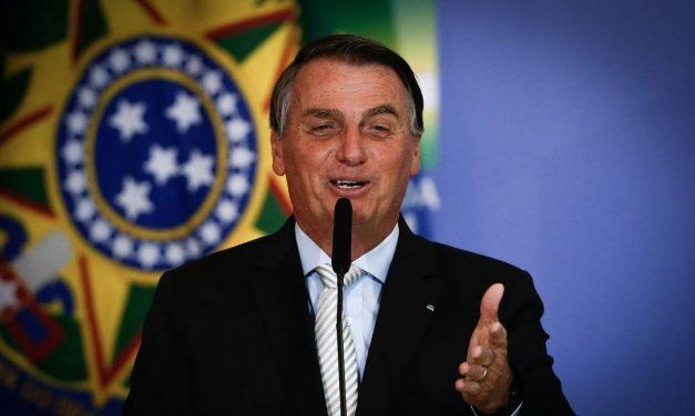 'Parece que só morre de covid', diz Bolsonaro em semana de recordes