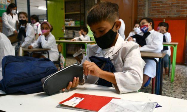 Como o Uruguai, sem vacina, fechou as escolas por apenas três meses durante a pandemia