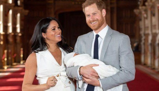 Família real britânica tem 'reuniões de crise' após entrevista de Harry e Meghan
