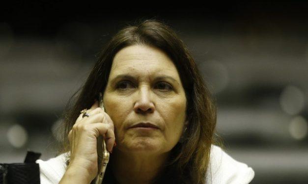 Aliada de Bolsonaro e investigada no STF, Bia Kicis é eleita presidente da CCJ da Câmara