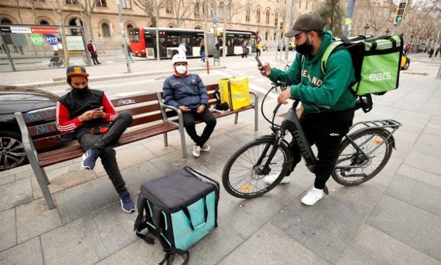 Entregadores de aplicativos terão direitos trabalhistas na Espanha