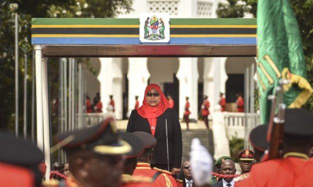 Tanzânia tem sua 1ª presidente mulher após morte de negacionista