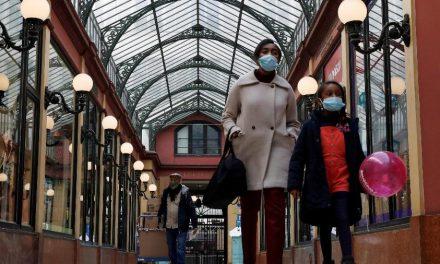 Parisienses tentam sair da cidade antes do confinamento