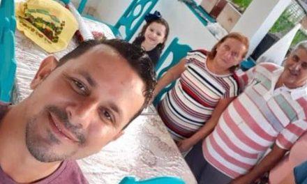 Filho tem alta após 17 dias internado e descobre que perdeu pais para covid