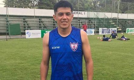 Gringo na área: meia-atacante Echeverría chega a Marabá e é integrado ao elenco do Águia
