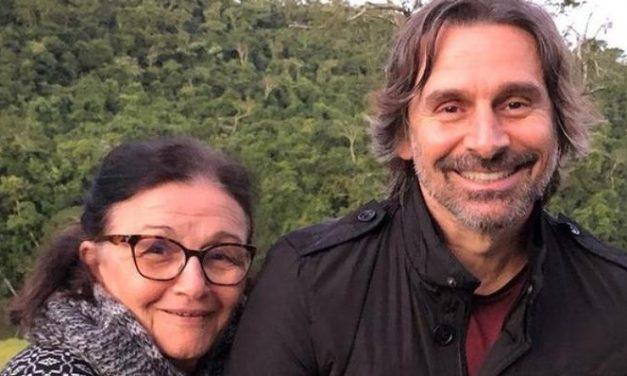"""Murilo Rosa comemora vacinação da mãe contra a Covid-19: """"Que sensação boa"""""""