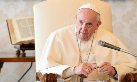 Papa deseja mais cooperação internacional contra os crimes financeiros