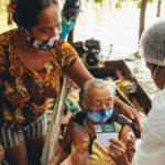 Prefeitura leva vacina contra a covid para idosos das ilhas de Barcarena no domicílio