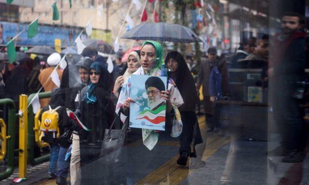 Irã diz que vai continuar a enriquecer urânio até que EUA retirem sanções