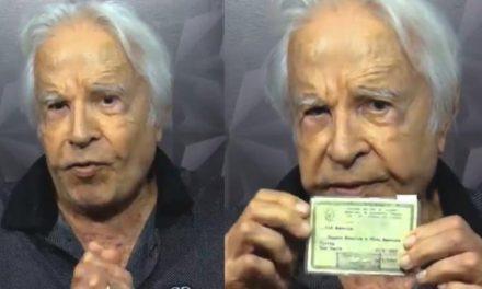 """Cid Moreira mostra identidade para comprovar seu nome verdadeiro: """"Prazer"""""""