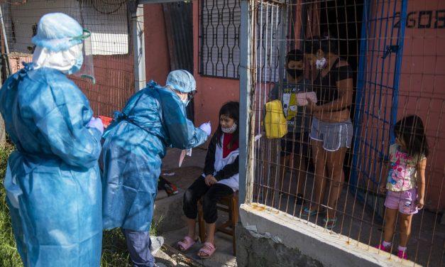 Argentina e Uruguai têm alta de casos, mas evitam impor restrições severas