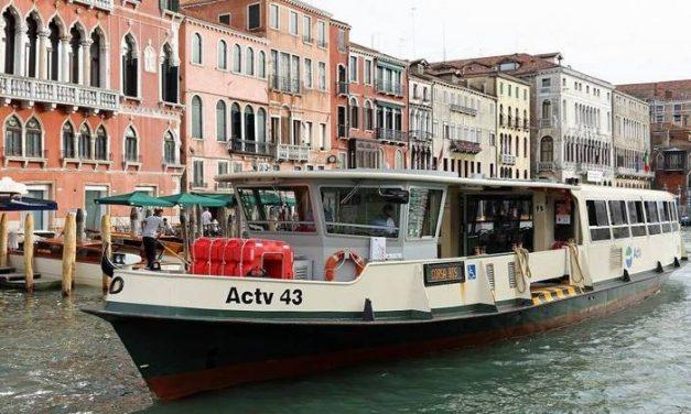 Veneza vai usar barco para vacinar idosos contra Covid-19