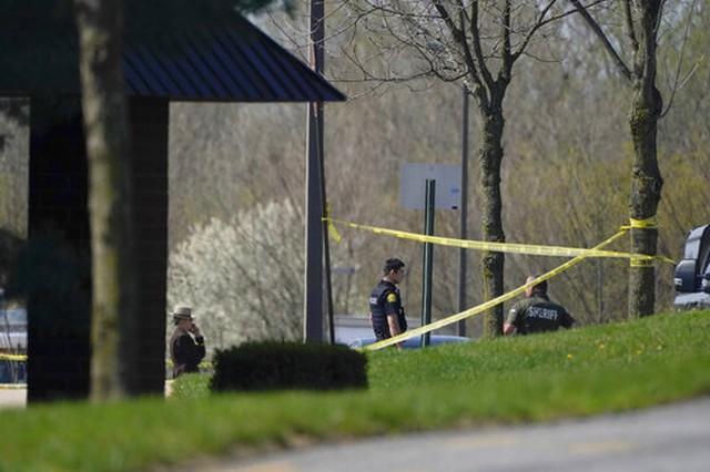 Nos EUA, oficial da Marinha abre fogo em centro empresarial e atinge duas pessoas