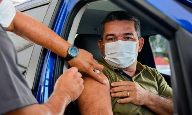 Vacinação de pessoas de 35 a 39 anos com doenças preexistentes é iniciada Manaus