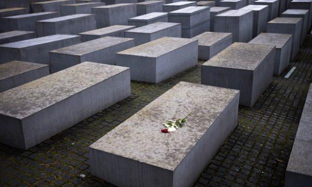 Nazistas condenados nos EUA escapam da Justiça na Alemanha