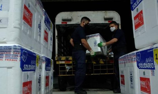Pará recebe mais de 100 mil doses de vacina contra a Covid-19