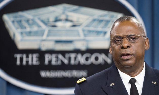 Chefe do Pentágono visita Israel em meio a negociações com o Irã