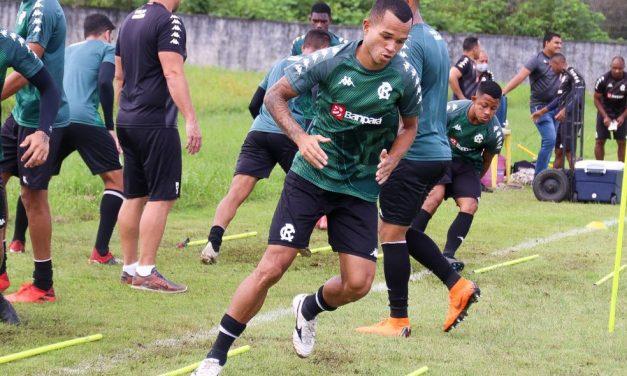 """Volante espera postura ofensiva do Remo contra o CSA: """"Não podemos ir lá e só ficar marcando"""""""