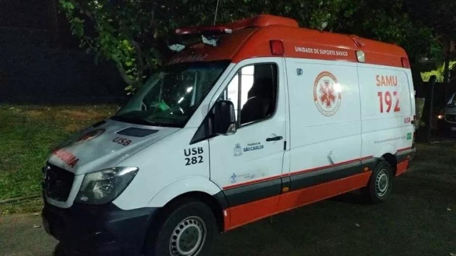 Homem rouba ambulância do Samu e assalta pacientes idosos em São Carlos