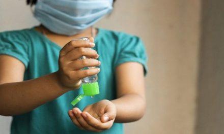 Análise da saliva detecta covid-19 em crianças sintomáticas