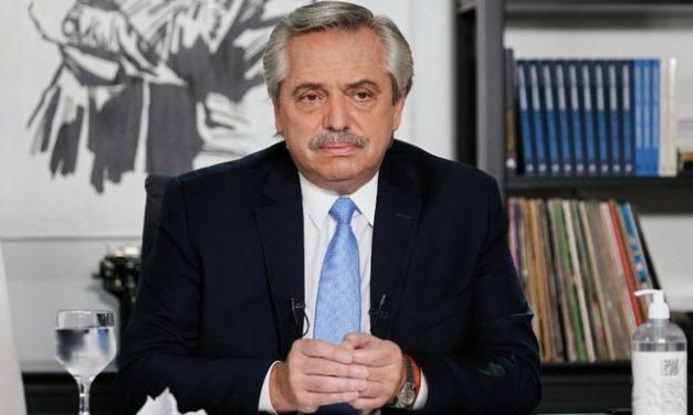 Alberto Fernández, da Argentina, dá resposta a Bolsonaro sobre papel dos militares na pandemia