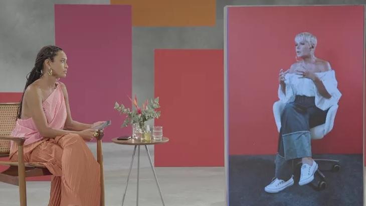 """Xuxa dá bola fora em entrevista com Taís Araujo: """"Queria vir com a tua cor ou então negão"""""""