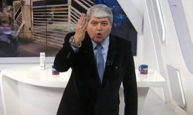 """Datena dispara xingamentos ao vivo: """"Safado, vagabundo, canalha, lixo"""""""