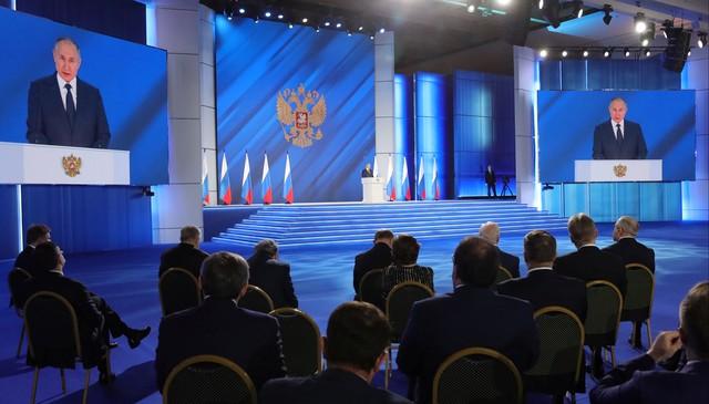Vladimir Putin diz que país dará resposta severa se Ocidente ultrapassar limites da Rússia