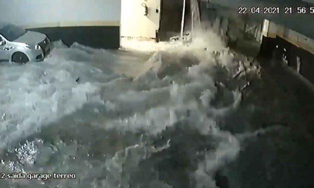 Vídeo mostra momento em que piscina desaba em garagem de condomínio de luxo