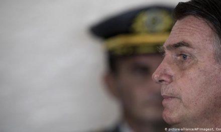 Bolsonaro ameaça acionar Forças Armadas contra medidas de governadores