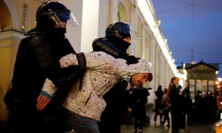 Justiça da Rússia ordena suspensão das atividades do grupo de Alexei Navalny