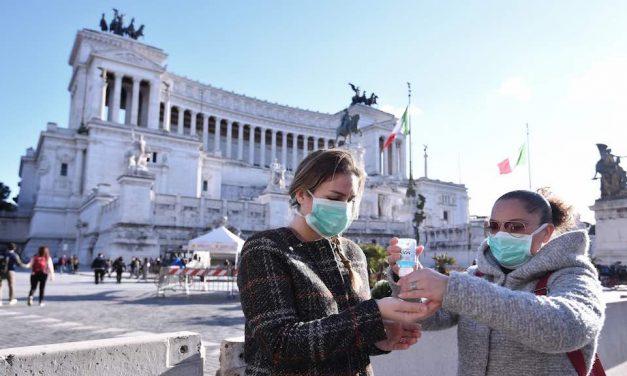 Com números em queda, Itália reabre restaurantes e museus