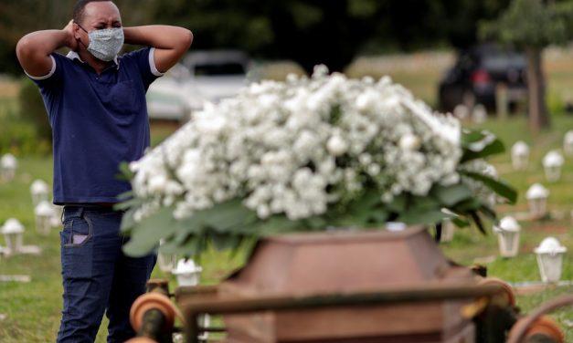 82.401 vidas perdidas: pelo 2º mês consecutivo, Brasil tem recordes de mortes por Covid em dois terços do país