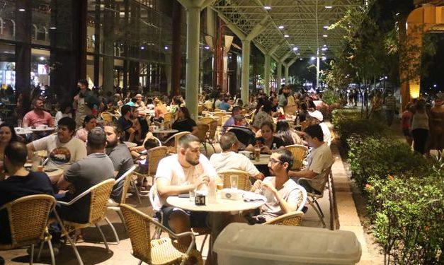 Comer fora de casa ficou mais caro; alta foi de 2,77%