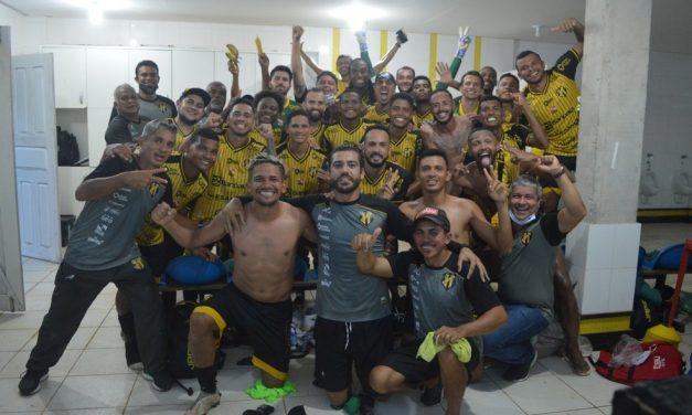 Com virada nos minutos finais, Castanhal vence Independente-PA e se classifica para a semifinal