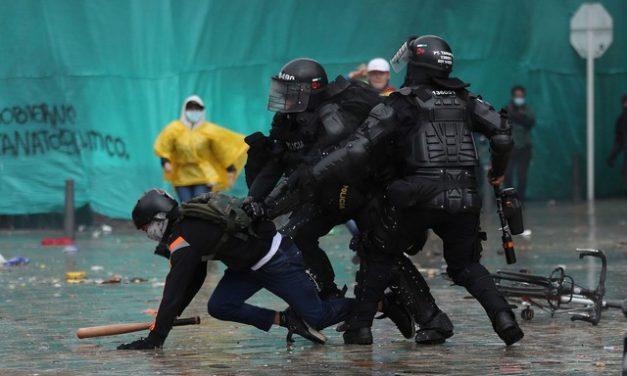 'Hartazgo', o cansaço extremo que mobiliza os protestos na Colômbia