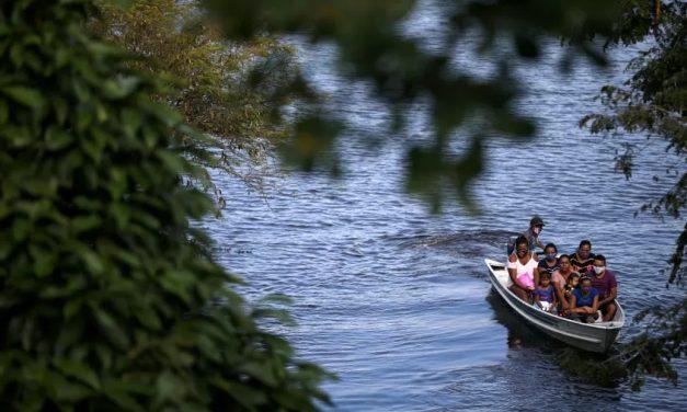 Com cheia do rio Negro, prefeito de Manaus decreta situação de emergência