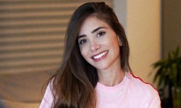 """Romana Novais encanta ao postar cliques da filha, Raika: """"Bonequinha"""""""