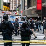 Polícia americana prende suspeito de balear 3 pessoas na Times Square