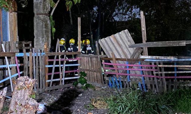 Três crianças morrem durante incêndio em casa na Zona Norte de Porto Alegre