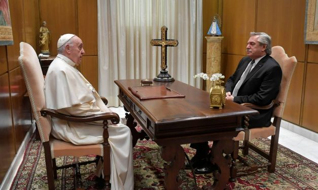 Papa recebe presidente argentino Alberto Fernández no Vaticano