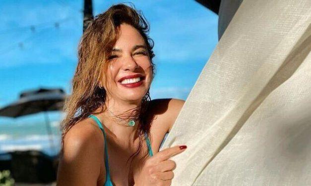 Após boatos de separação, Luciana Gimenez publica fotos ousadas de biquíni
