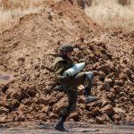 Tropas israelenses na fronteira com a Faixa de Gaza bombardeiam palestinos; número de mortos sobe