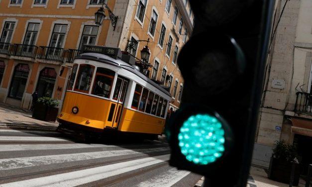 Portugal permitirá entrada de turistas da UE e do Reino Unido com teste de coronavírus negativo