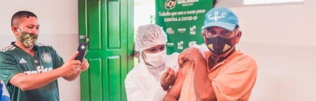 Idosos de Barcarena recebem segunda dose da vacina coronavac
