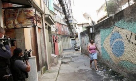 Cultura do medo e legado da ditadura ajudam a explicar truculência da polícia do Rio, diz ex-chefe das UPPs