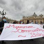"""Papa pede fim à """"espiral da morte"""" em Mianmar e no Oriente Médio"""