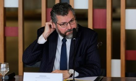 Reuniões e dados desmentem fala de Ernesto na CPI