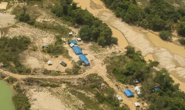 Justiça Federal torna 12 pessoas réus acusados de invadir território Munduruku para extração ilegal de ouro