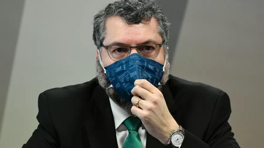 Fala anti-China, viagem a pedido de Bolsonaro: as frases de Araújo na CPI
